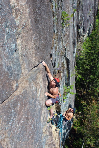 Rock Climbing Photo: Pulling the steep roof on P3 of The Brett Thompson...