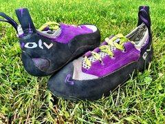 Size 5.5 Evolv Climbing Shoe