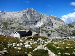 Rock Climbing Photo: Rifugio Capanna Albigna