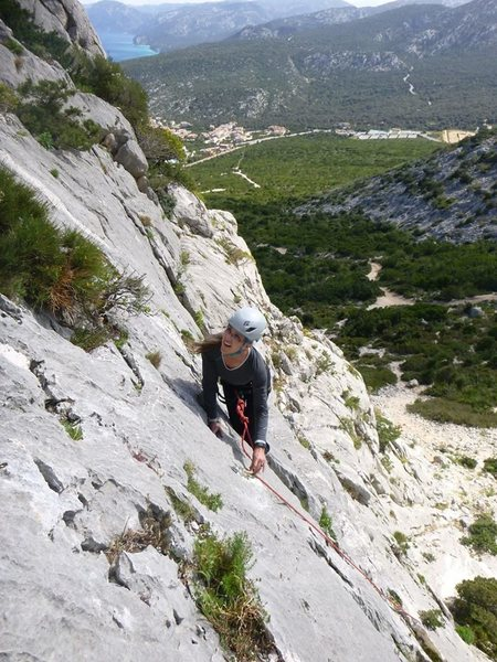 My first trip with unsupervised anchor threading. Slab climbing near Cala Gorone, Sarinia, Italy