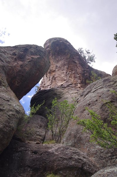 Rock Climbing Photo: Unknown short route far up the canyon. Maybe 5.9, ...