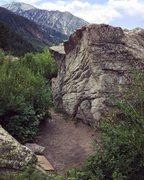 Rock Climbing Photo: Easter Boulder (WARM UP)