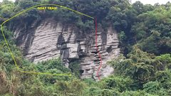 Rock Climbing Photo: Approach from bottom right side of crag.
