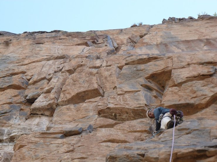 Murphy preparing to power through the overhangs of pitch 10.