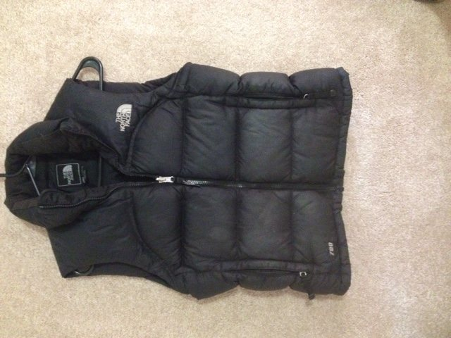 TNF Vest 700 Fill Black Small $65
