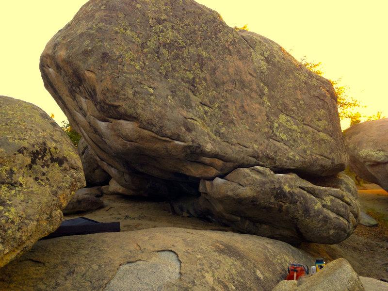 Rock Climbing Photo: A shot of the rail into moonstone.