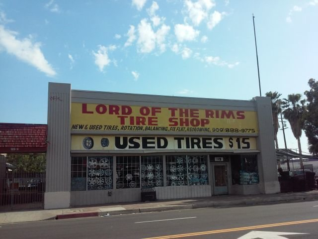 Rock Climbing Photo: Lord of the Rims Tire Shop, San Bernardino