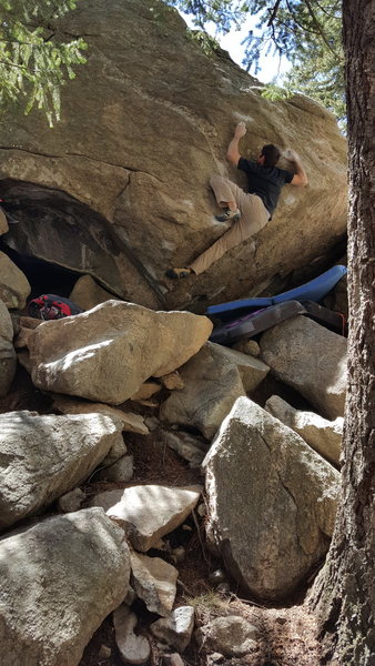 Rock Climbing Photo: The Hug takes the line straight up the middle of t...