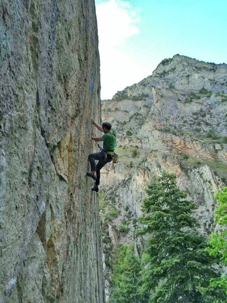 Rock Climbing Photo: Lay back and enjoy the ride