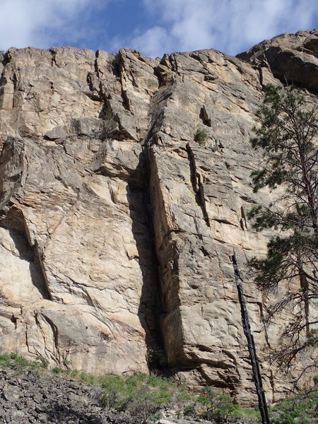 "The obvious corner of ""Owl Crack"" , marks the right end of the Middle Wall"