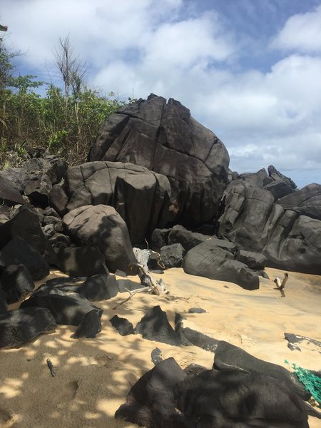 The start of the boulders along the beach at Robertsport.