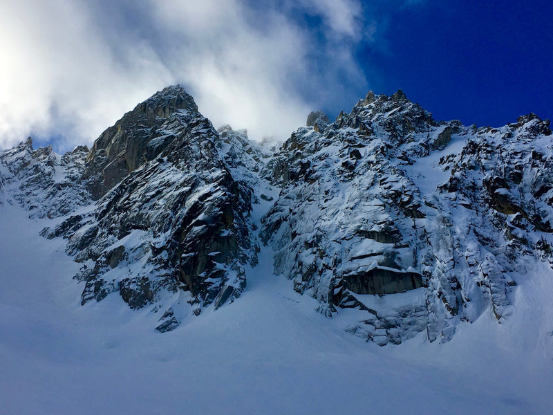 Looking up the NE Couloir on Colchuck Peak