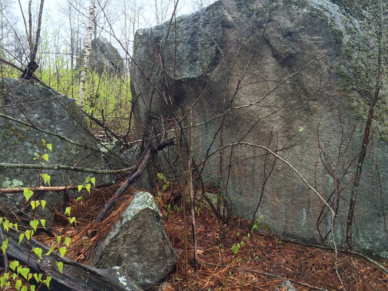 Rock Climbing Photo: The North side of Second Boulder. Lookout Rock can...