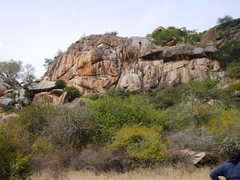 Rock Climbing Photo: More crags by the picnic tree