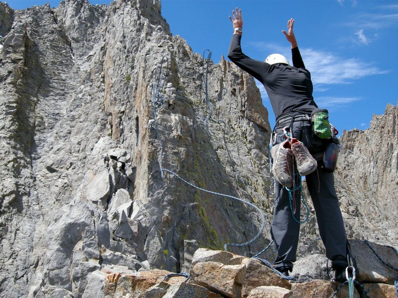 Rope toss, for tyrolean traverse, on Sun Ribbon Arete.