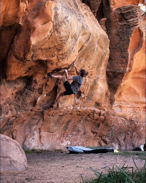 Rock Climbing Photo: Jam Boulder