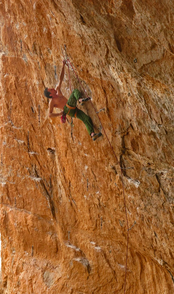 Kenny P readies for the crux<br> WTF(WhatTheFunk) 5.13c