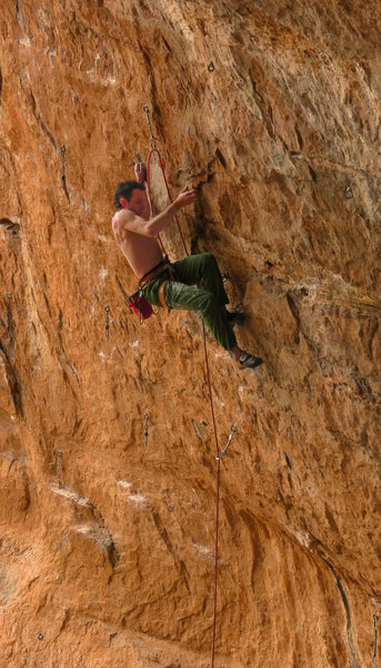 Ken cruises the &quot;easy&quot; moves at the start<br> WTF(WhatTheFunk) 5.13c