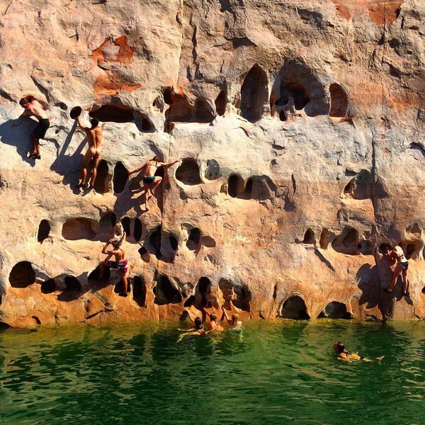 The best holds are Bobbys buns.. Hueco Wall gangbang. Photo: Victoria Arling