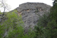 Rock Climbing Photo: The crag above the approach trail approximately on...
