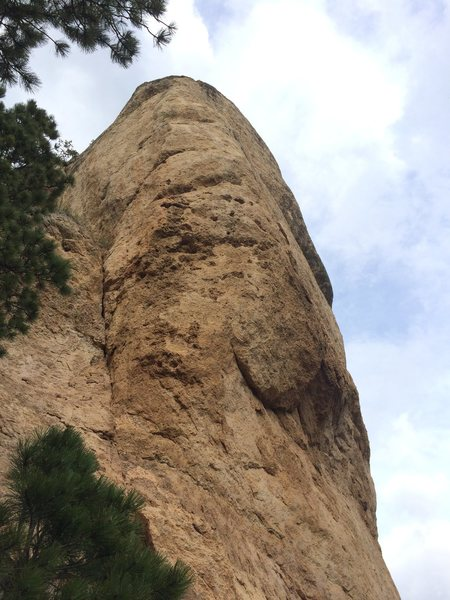 Follow the large prow up and right, hard moves are out on the headwall! Super cool position
