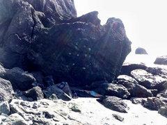 Rock Climbing Photo: Wildhack Rock > Radiobread [left]