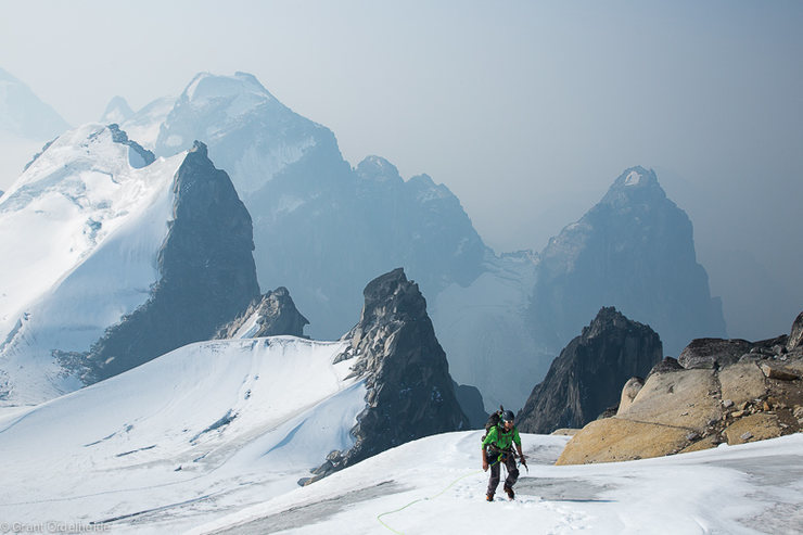 Rock Climbing Photo: Bugaboos, on the way up to Pigeon Spire
