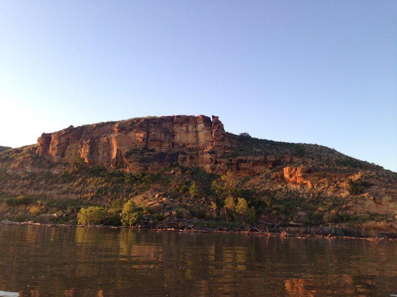 Rock Climbing Photo: Potential crag right off of Kanopolis lake.