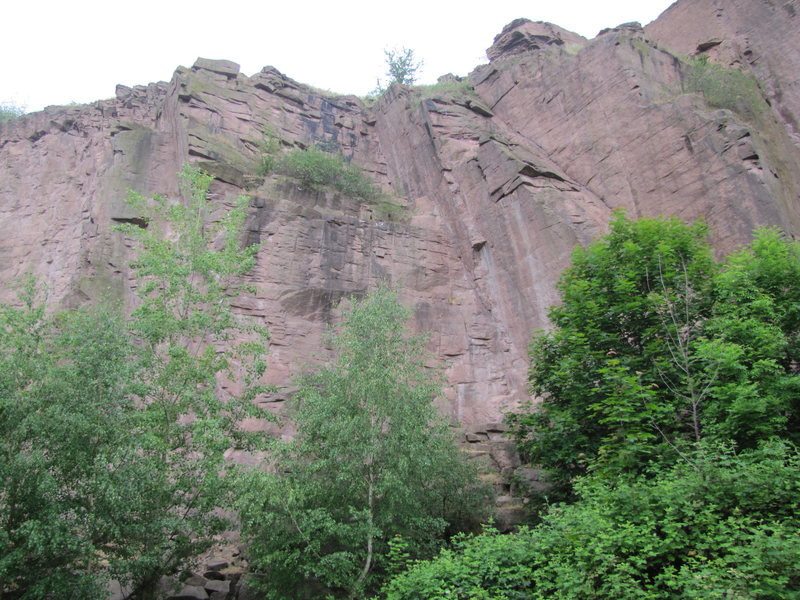 The middle section of Sektor Sonnenwende with a few short, easy routes.
