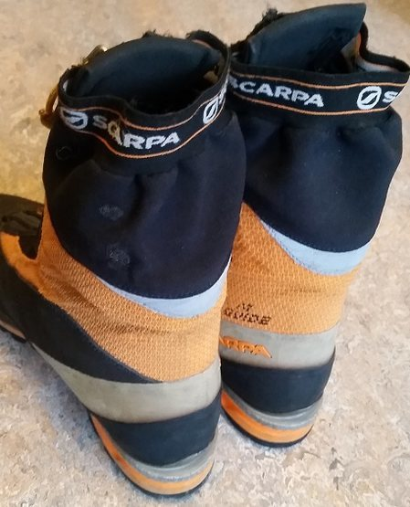 Rock Climbing Photo: Scarpa Phantom Guide Ice Boots Size 42.5