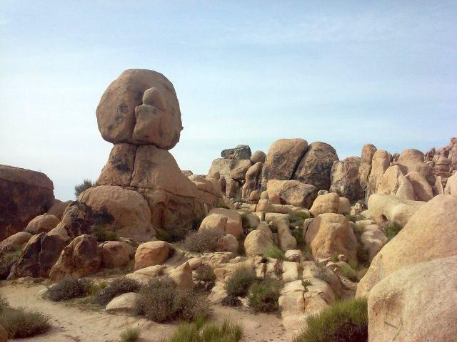 Balanced boulder, Horseman's Center