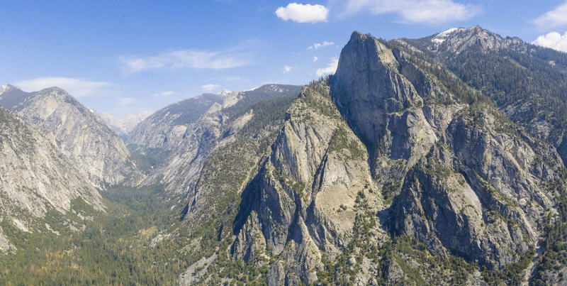 South Fork Kings Canyon from North Dome. Striking resemblance to Yosemite, minus the people of course. And it don't have just any old sentinel, that's the grand, folks.
