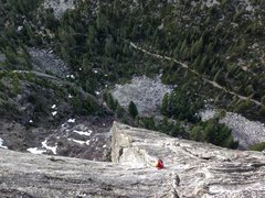 Rock Climbing Photo: Exiting corrugation corner. The rest of the pitch ...