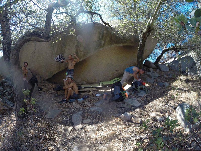 Rock Climbing Photo: Das Crew & Das Silk Bananna!!