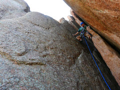 Rock Climbing Photo: A #4 cam here protects the chimney to left face tr...