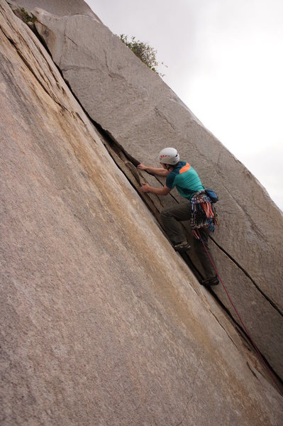 Rock Climbing Photo: Alex leading up p1 of Chouinard special.