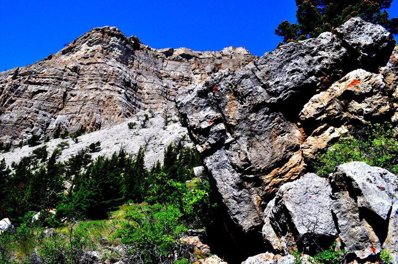 Boulders and big walls.