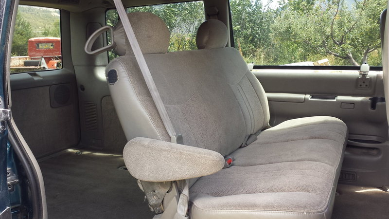 2000 safari van (bench seat)