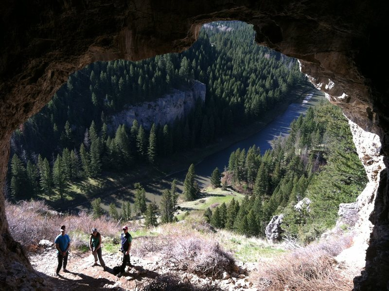 Rock Climbing Photo: Cave above the Smith River