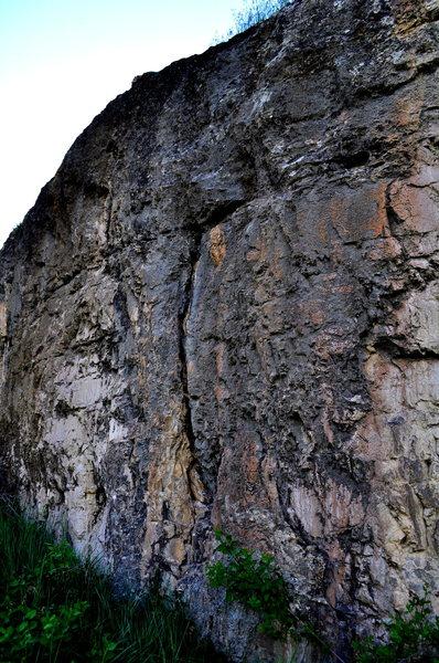 Limestone layback