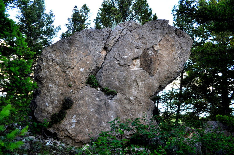 Rock Climbing Photo: Boulder in a boulder problem