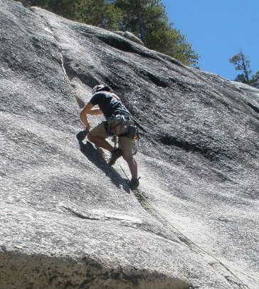 Leading Puppy Crack in tuolumne, my first lead in CA!