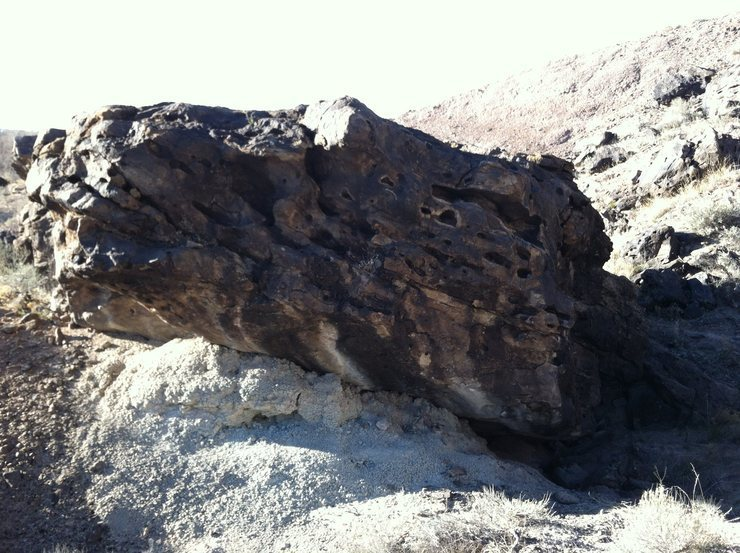 Rock Climbing Photo: Under Par Boulder, for the golfball we found wedge...