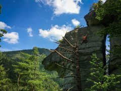 Rock Climbing Photo: Eric on Hemlock Arete at Linville River Crag