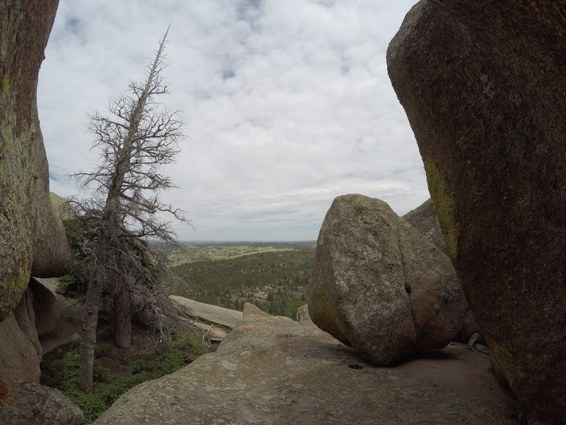 Rock Climbing Photo: View through the corridor to the left of The Bigge...