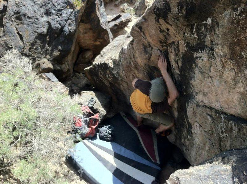 Rock Climbing Photo: Bag making his way up the V1-.