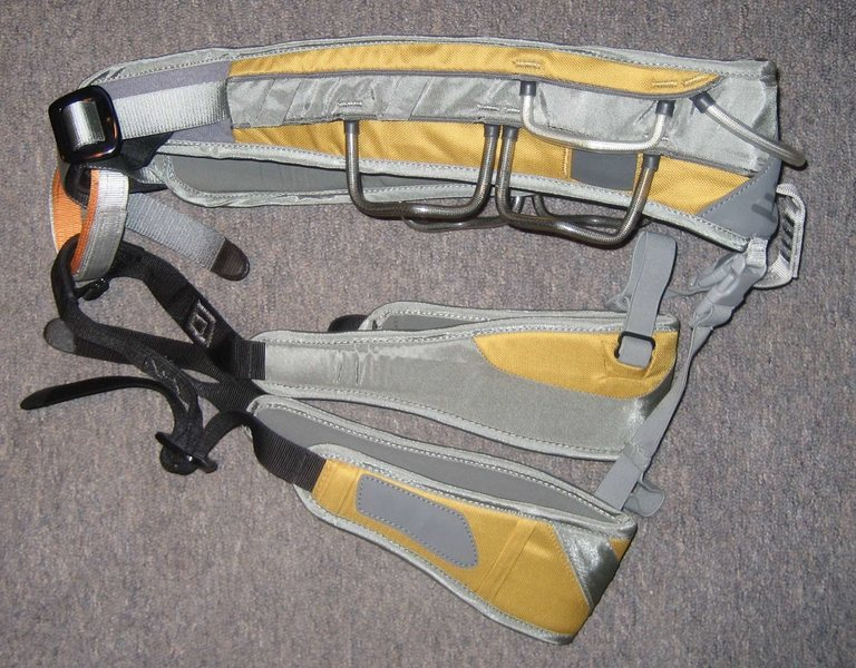 Black Diamond Big Gun - XL (in NEW condition).  All day comfort and numerous gear loops for any big-wall adventure.  Includes the big wall hammer holster - $65.
