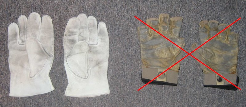 Gloves, size - LARGE, $3.