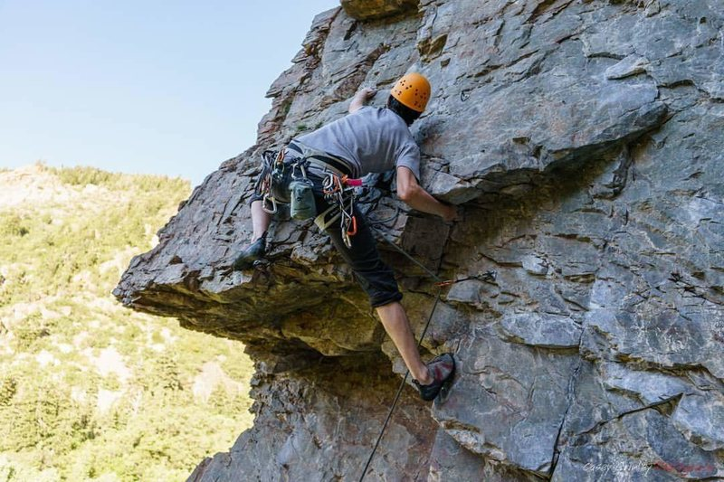 Rock Climbing Photo: The roof of Chambered Nautilus (5.10a). Photo by C...