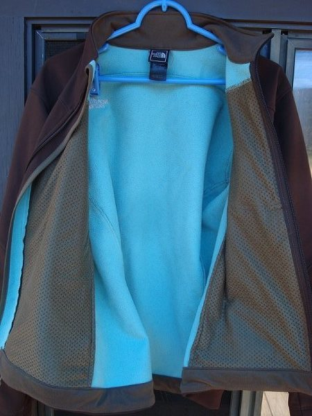 Turquoise fleece interior.